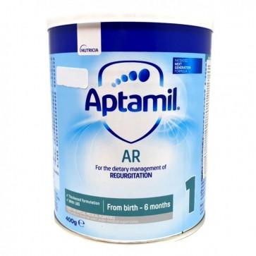Aptamil AR pomaže kod regurgitacije (bljuckanja) jer sadrži specijalni sastojak koji se zgusne u želucu djeteta. Specijalni sastojak za zgušnjavanje je prirodna guma (iz zrna rogača) koja prolazi neprobavljena kroz probavni sustav djeteta omekšavajući sto